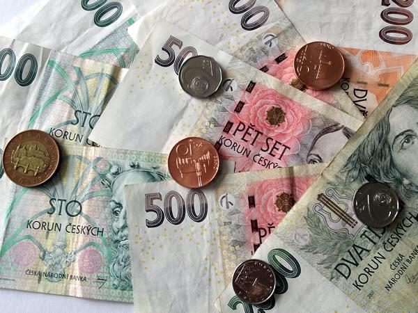 Dinero En Praga Cambiar Coronas Checas Cajeros Pagos Con Tarjeta En Praga